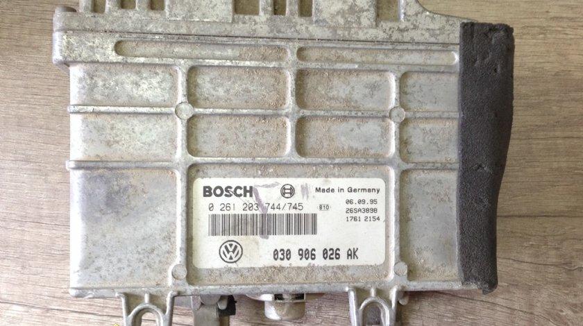Calculator motor volkswagen polo 1 0 benzina 1996 cod 030906026AK