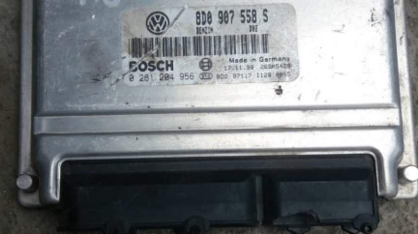 Calculator motor VW Passat 1.8 B ADR cod 8D0907558S 0261204956