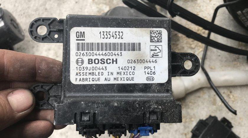 Calculator senzori parcare Opel Astra J 2009 2010 2011 2012