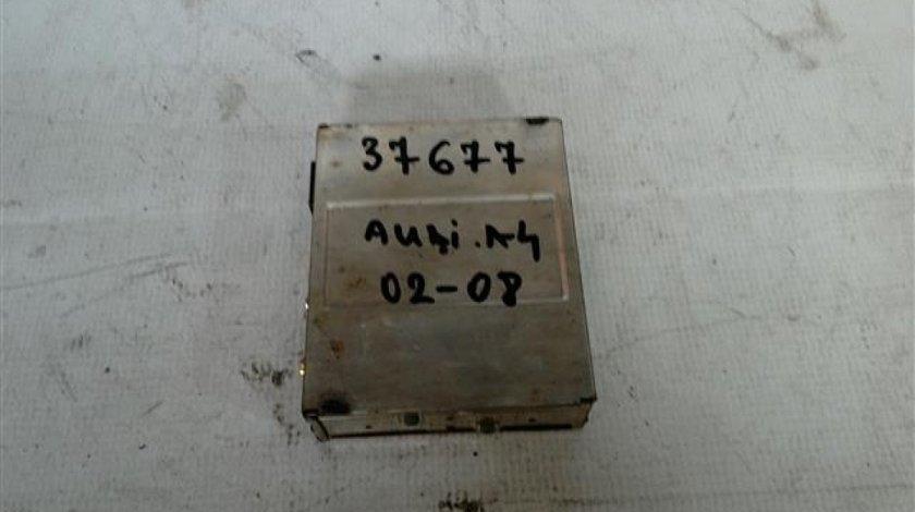 Calculator tunner navigatie Audi A4 An 2002-2008 cod 8E0919895B