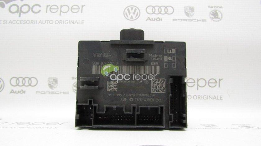 Calculator usa dreapta fata Audi A3 8V / VW Golf 7 - Cod: 5Q0959592B