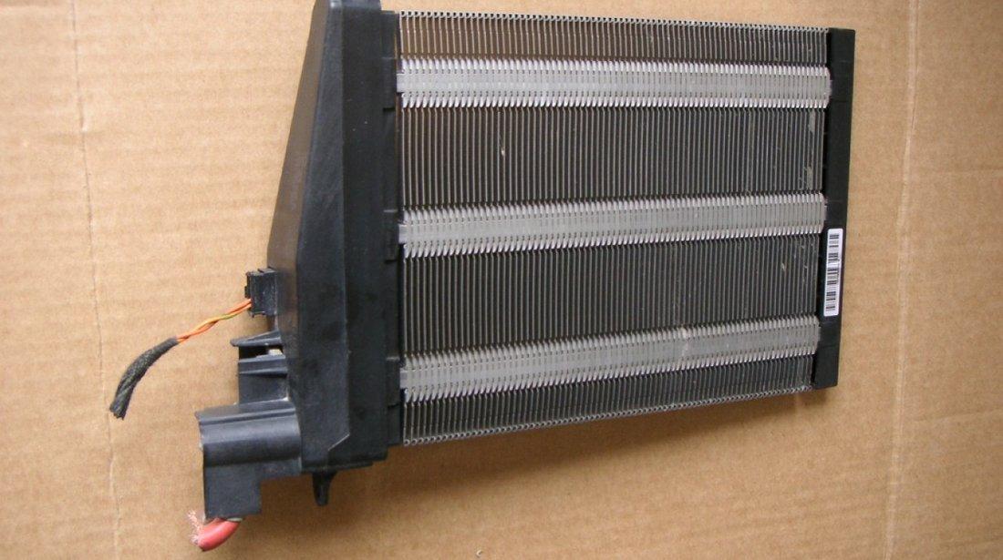 Calorifer electric pentru incalzire suplimentara VW Passat B6, Golf 5 cod 1K0963235E, 1K0963235D