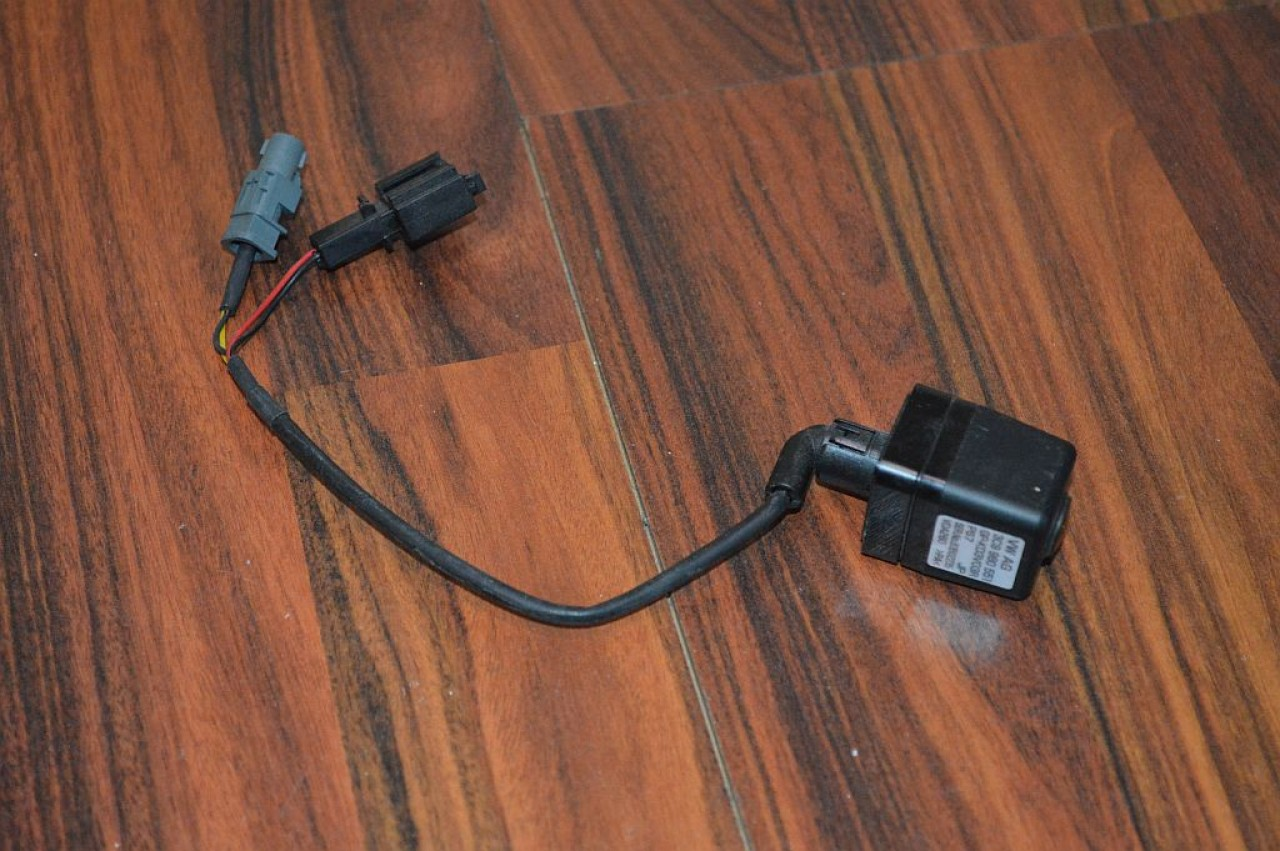 Camera marsarier originala vw 3c9980551