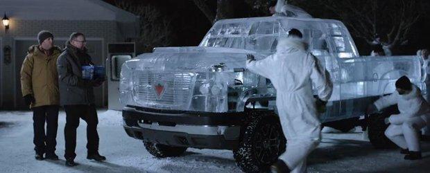 Camioneta de gheata: cum porneste o masina acoperita de 5 tone de gheata?