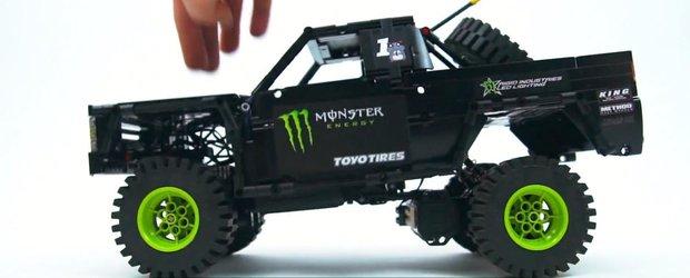 Camionul Monster Energy al lui BJ Baldwin, realizat din LEGO