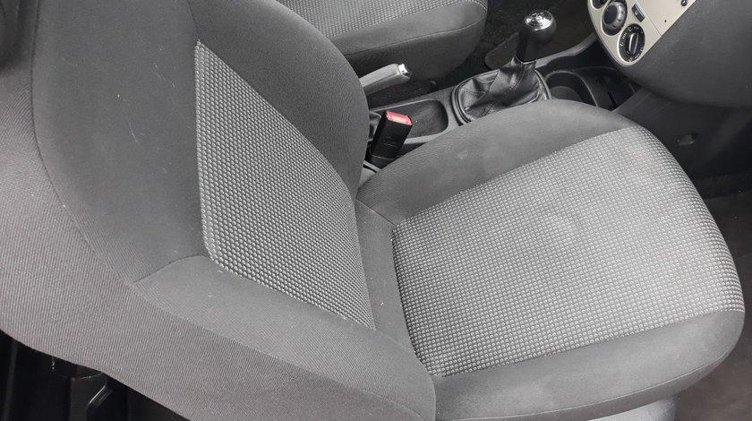 Canapele fata Opel Corsa D