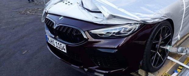 Cand au vazut ce se ascunde sub prelata au inceput sa faca poze. Asa arata primul M8 Competition din istoria BMW