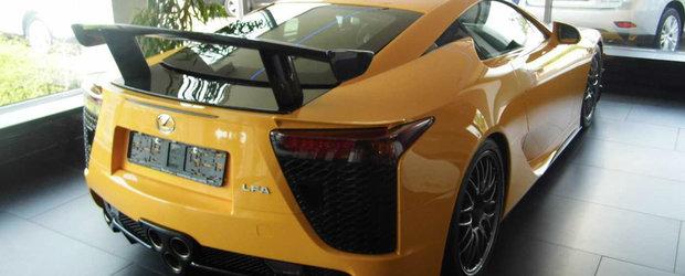 Cand germanii se tin de glume: Cu banii de pe acest Lexus LFA poti cumpara... lumea intreaga