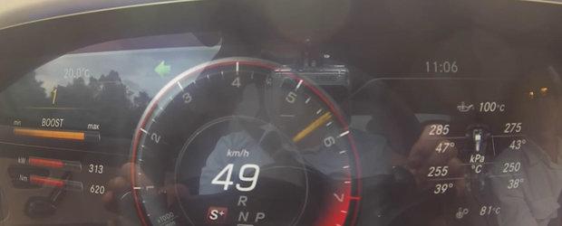 Cantareste 2 tone dar ajunge la 100 mai rapid decat multe supercar-uri. Uite Mercedes-ul S63 AMG in actiune