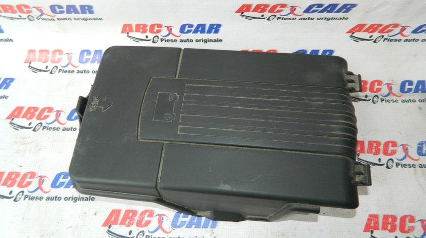 Capac baterie VW Passat CC cod: 3C0915443A