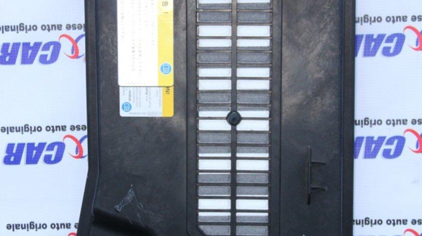 Capac baterie VW Touareg 7P cod: 7L0864643B model 2014