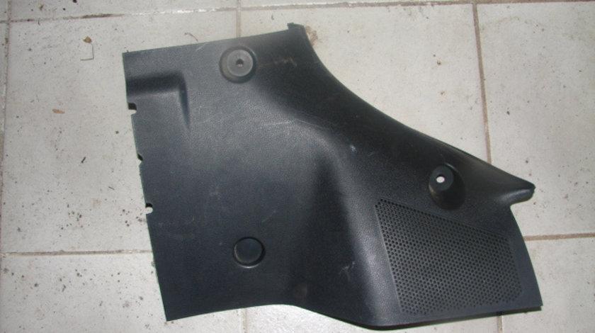 Capac lampa portbagaj stanga Ford Mondeo generatia 3 [facelift] [2003 - 2007] Liftback 5-usi 2.0 TDCi MT (130 hp) MK3 (B5Y) LX