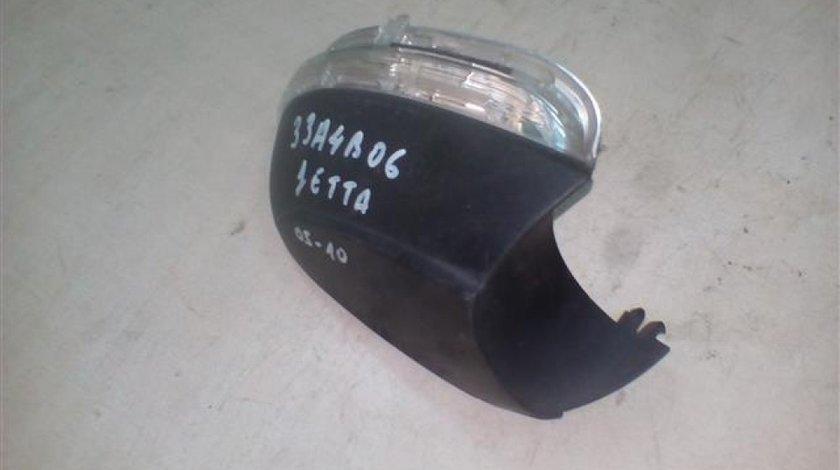 Capac + lampa semnal inferioara oglinda dreapta VW Jetta An 2005-2010