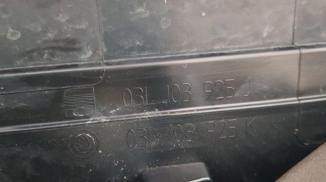 Capac motor VW Touran 1.6 TDI 105 CP CAYC cod 03l103925J