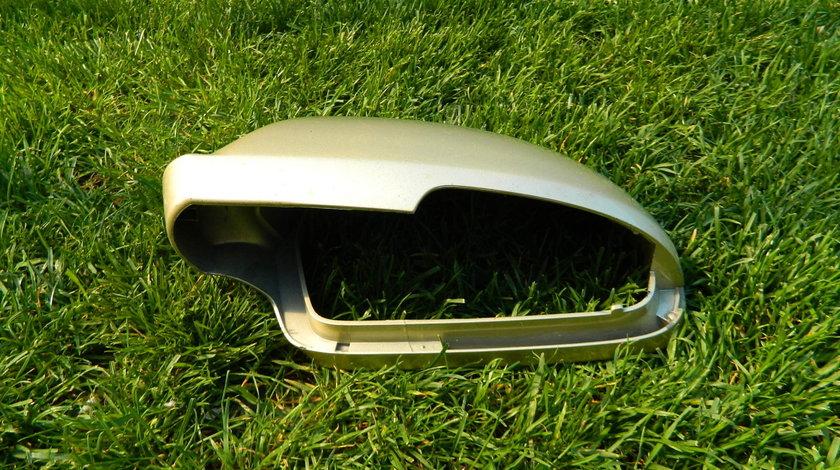 Capac oglinda stanga Skoda Superb 2 model dupa 2008 cod 3T0857537
