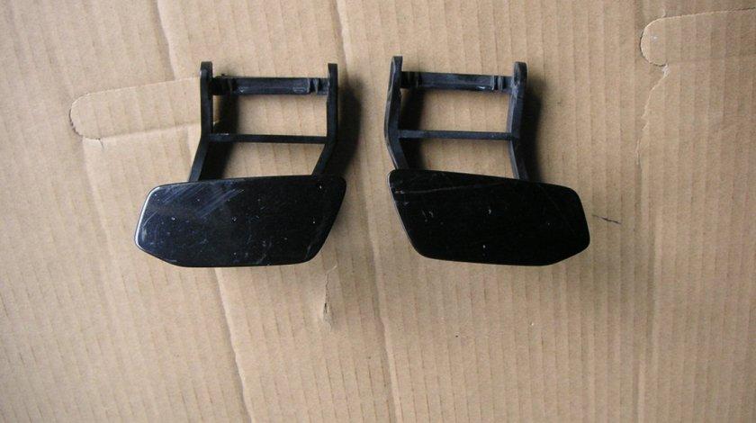 Capac spalator far stanga Audi A8, S8 quattro (2011-2017) cod 4H0955281B, 4H0955289B