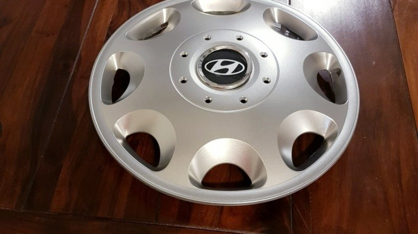 Capace Hyundai r16 la set de 4 bucati cod 400