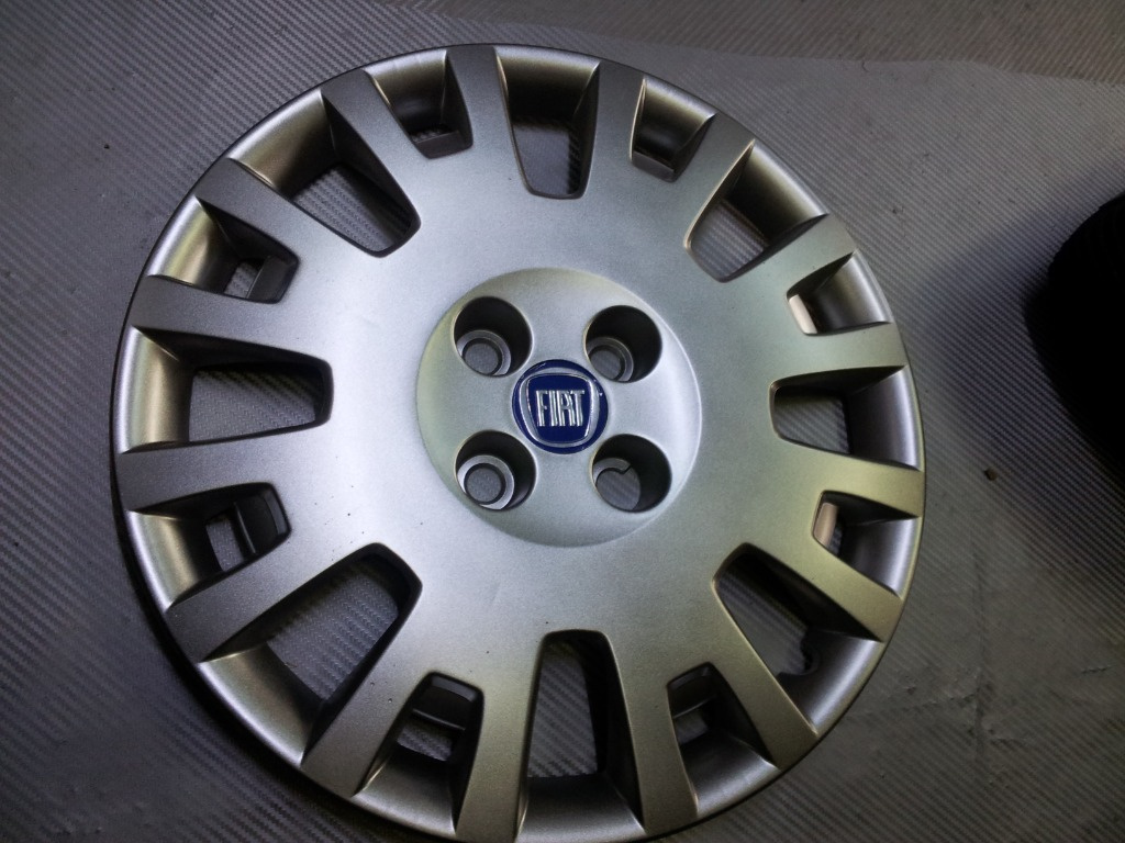 Capace roti Fiat r15 cu prindere in prezoane