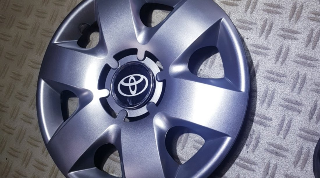 Capace roti Toyota r14 la set de 4 bucati cod 214