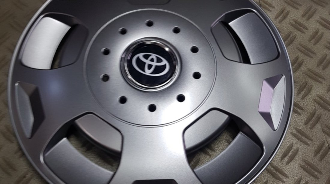 Capace roti Toyota r16 la set de 4 bucati cod 404