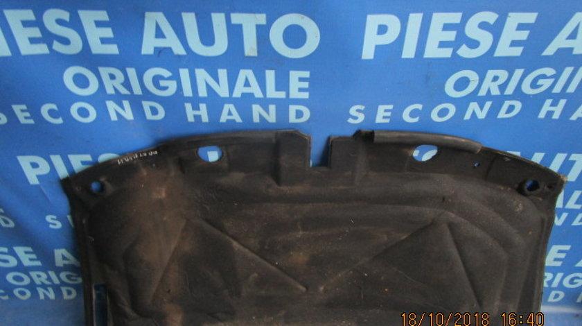 Capitonaj capota Peugeot Partner