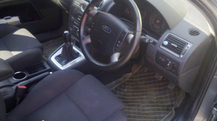 Capitonaj interior ford mondeo 2