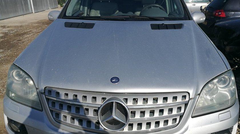 Capota motor pt Mercedes ML 320 W 164
