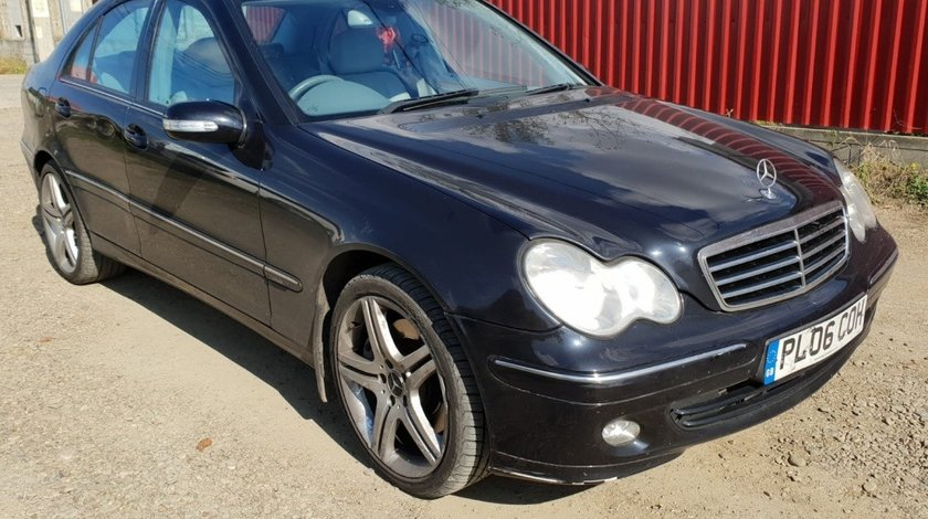 Capota portbagaj spate Mercedes C-Class W203 2006 om642 3.0 cdi 224cp 3.0 cdi