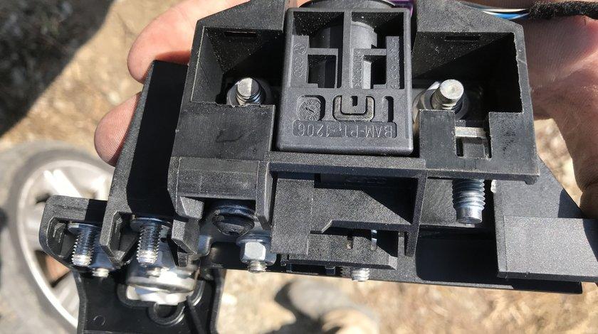Capsa pirotehnica baterie AUDI A4 B8 2009 2010 2011 2012