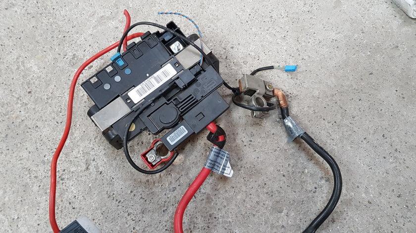 Capsa pirotehnica baterie BMW Seria 3 E90 E91 2007 2008 2009 2010