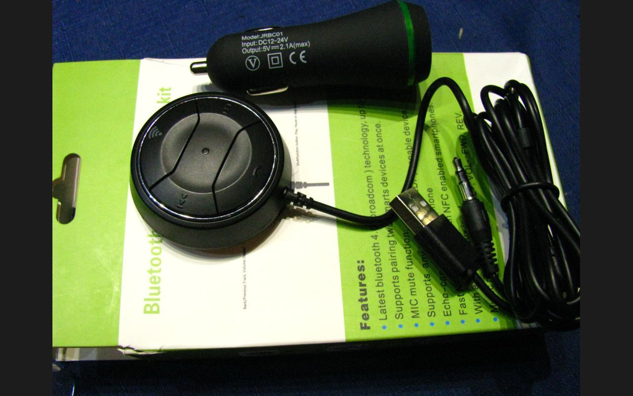 Car Kit JRBC01, Bluetooth, NFC, AUX pe boxele masinii