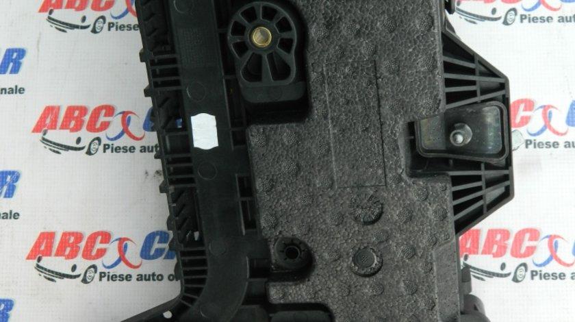Carcasa baterie VW Golf 7 2.0 TDI cod: 1K0915333 model 2016