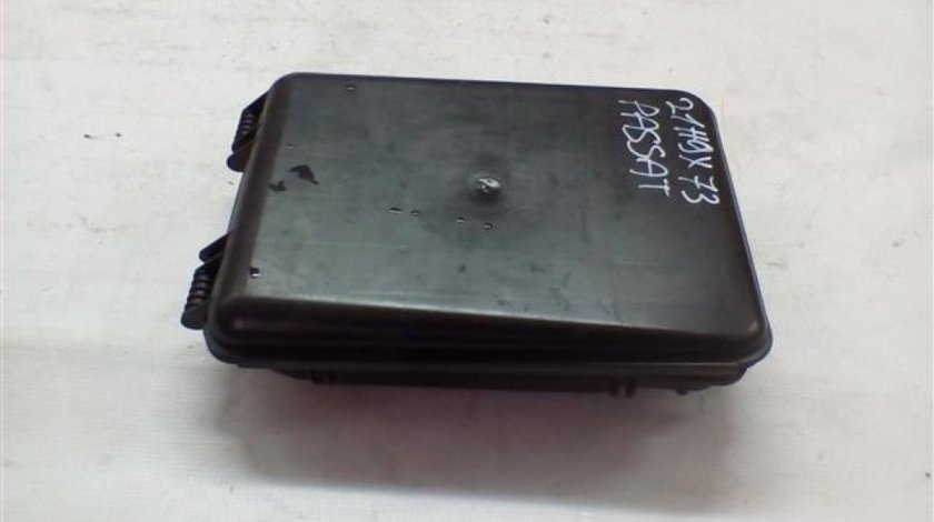 Carcasa calculator confort Volkswagen Passat B5 / Audi A4 B5 / A6 C5 An 1996-2005 cod 8D0927355A