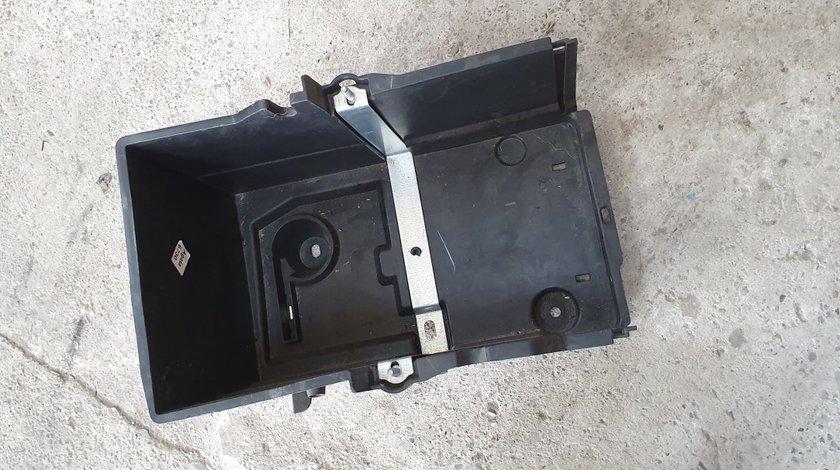 Carcasa cu suport baterie Ford Focus 3 2013 2014 2015 2016 2017