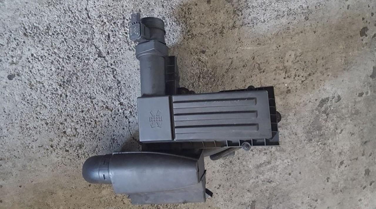 Carcasa filtru aer cu tubulatura vw jetta III 1.9 tdi 105 cai