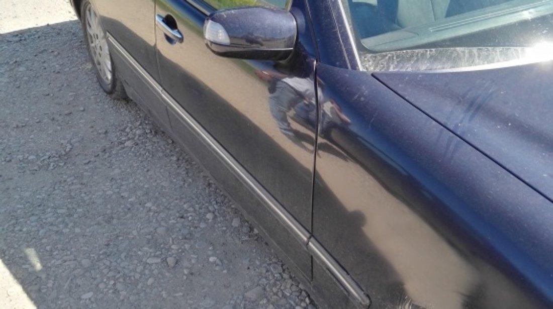 Carcasa filtru aer Mercedes E-CLASS W210 2001 berlina 2.2 cdi