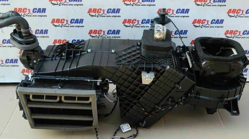 Carcasa incalzire bord VW Touareg 7P cod: 7P1820005Q model 2016