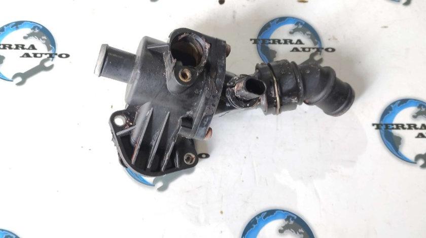 Carcasa termostat VW Golf V 2.0 FSI 110 KW 150 CP cod motor AXW