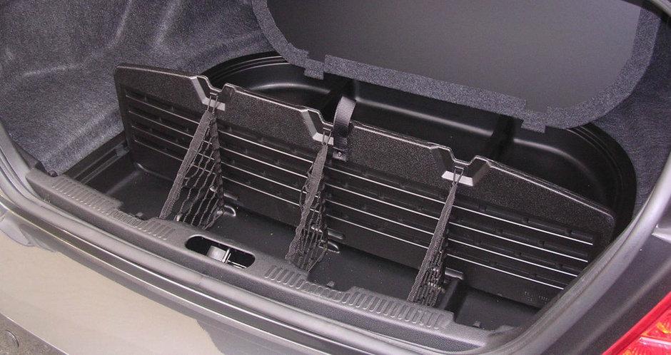 Care sunt locurile secrete din masina ta si cum iti poti organiza interiorul mai bine