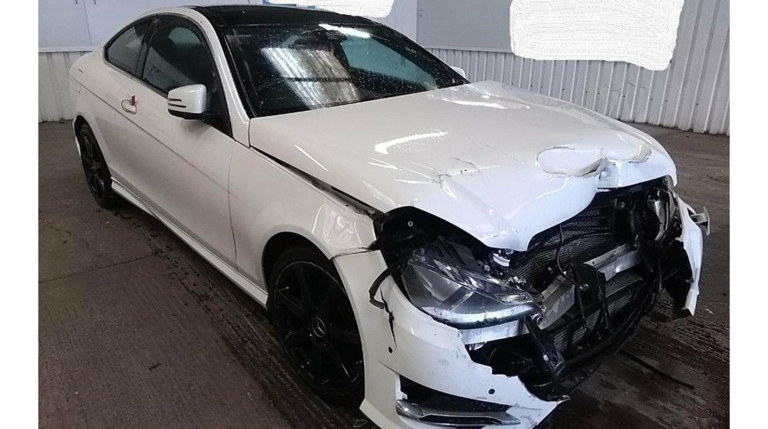 Carenaj aparatori noroi fata Mercedes C-Class C204 2014 Coupe AMG Sport Edition 2.2 CDi