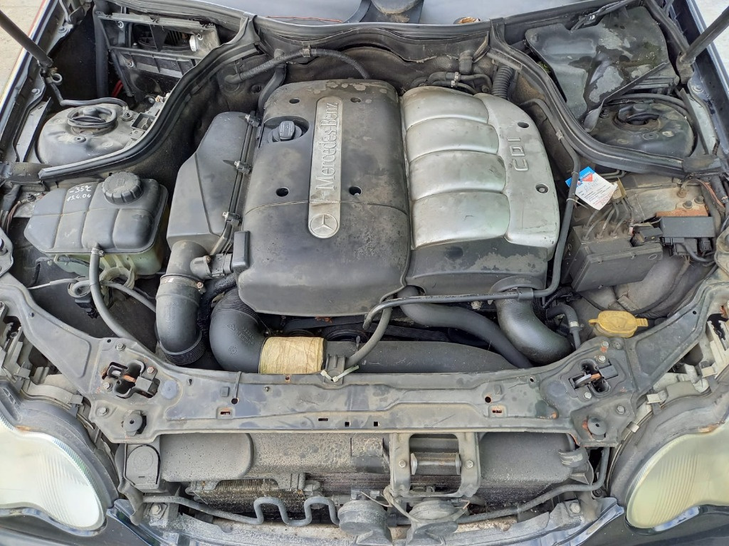 Carenaj aparatori noroi fata Mercedes C-Class W203 2002 Berlina 2.2