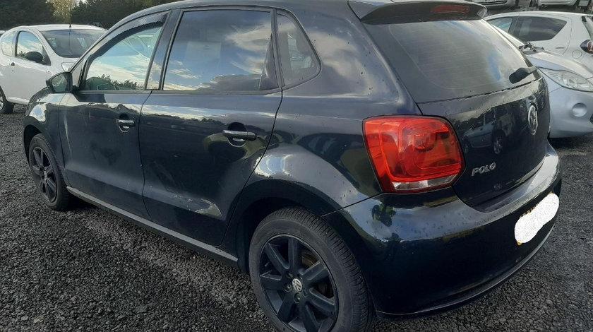 Carenaj aparatori noroi fata Volkswagen Polo 6R 2010 Hatchback 1.6 TDI