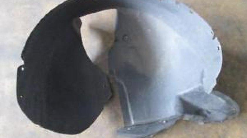 Carenaj noroi roata dreapta / stanga fata VW Touran 1T 1T0805974E / 1T0805973I 2003-2009