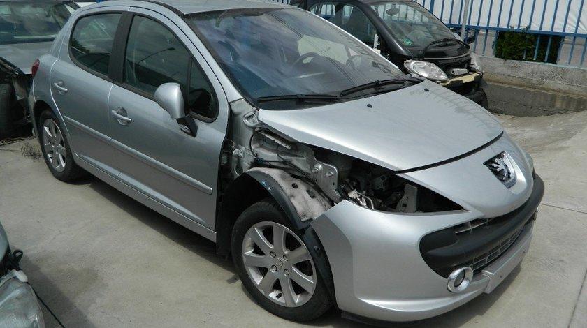 Carenaj roata dreapta fata Peugeot 207 hatchback model 2006