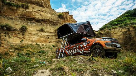 Casa de pe masina: cortul de plafon Skycamp, partenerul ideal pentru iesirile in aer liber