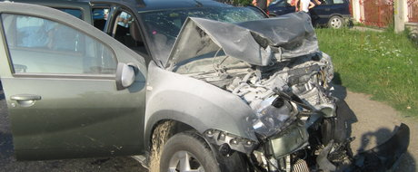 Cat de sigura este Dacia Duster? Video cu masina romaneasca implicata intr-o serie de accidente