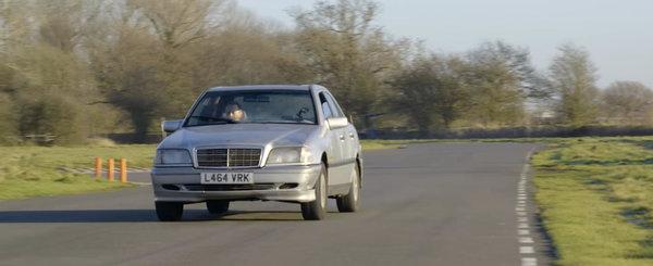 Cat merge un Mercedes fara ulei in motor? Uite aici