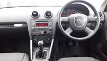 CD player Audi A3 8P 2008 hatchback 1.9