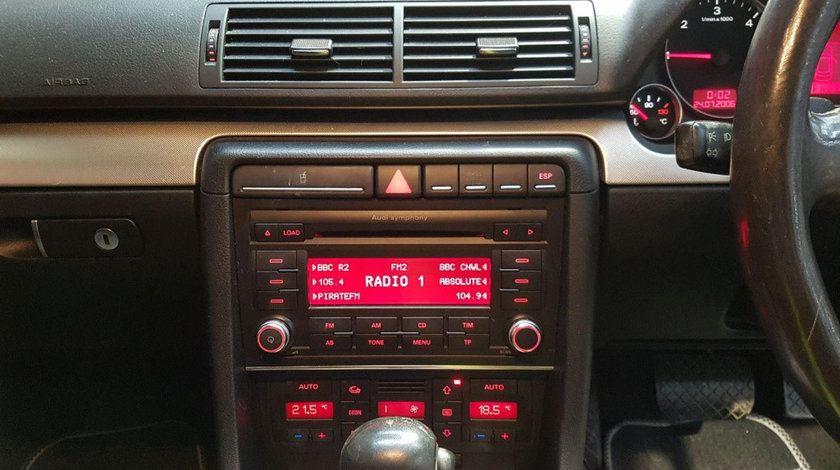 CD player Audi A4 B7 2007 Break 2.0 TDi