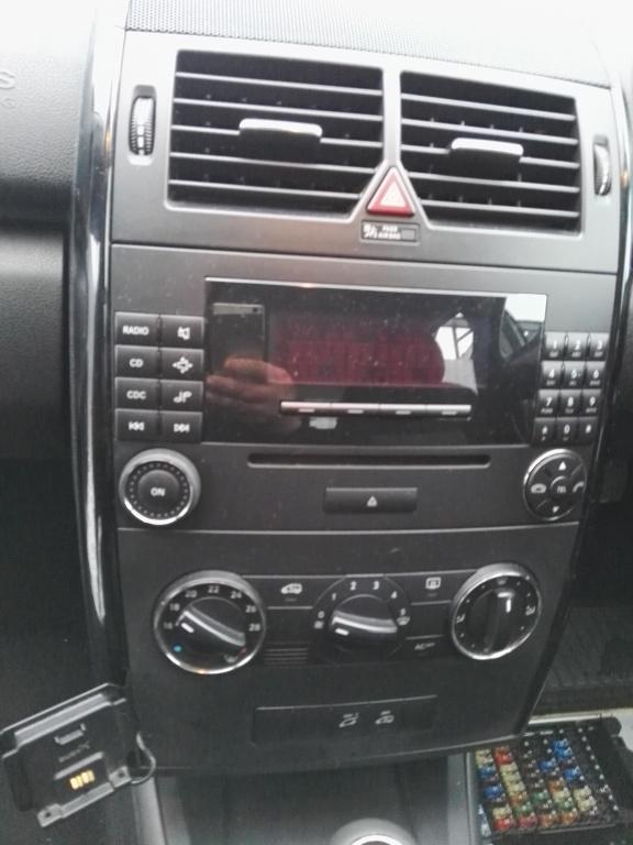 CD player auto Mercedes A class W169 An 2004-2008